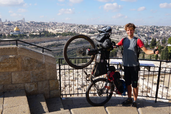 A bit of cycling and a lot of encounters – through Israel by bike